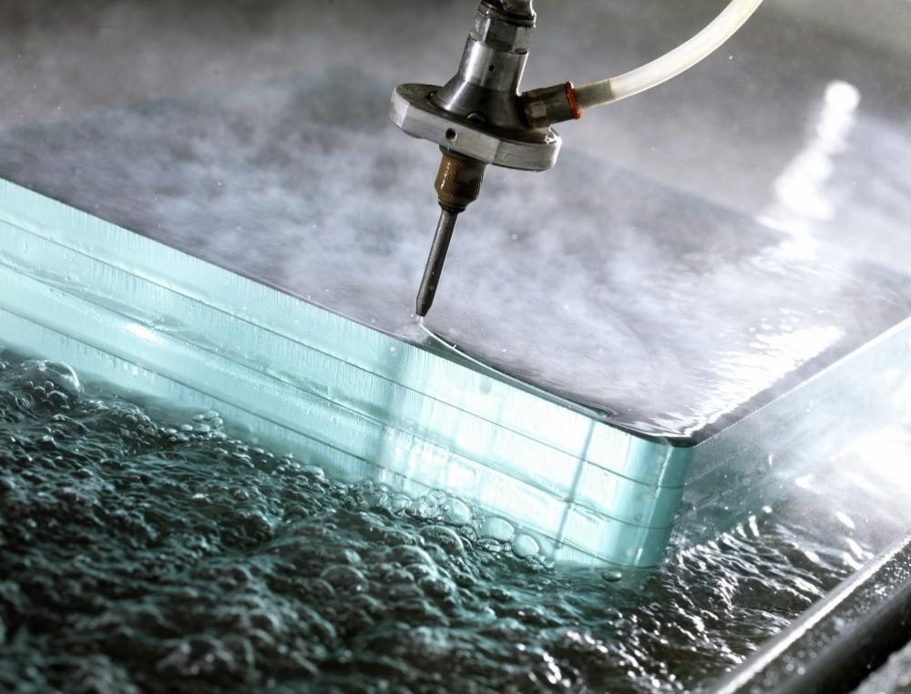 cięcie wodą szkła